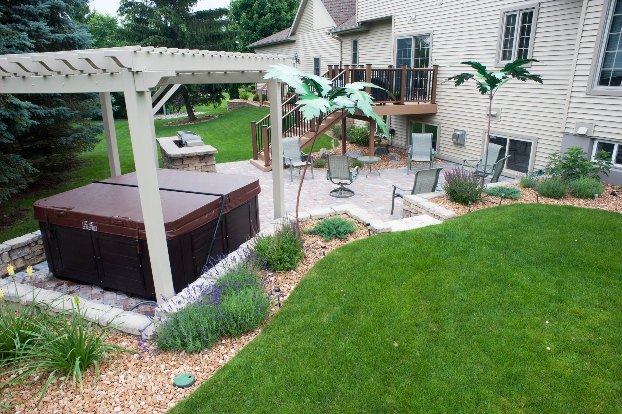 Outdoor Patio Pergola Hot Tub And Grilling Area R Amp D